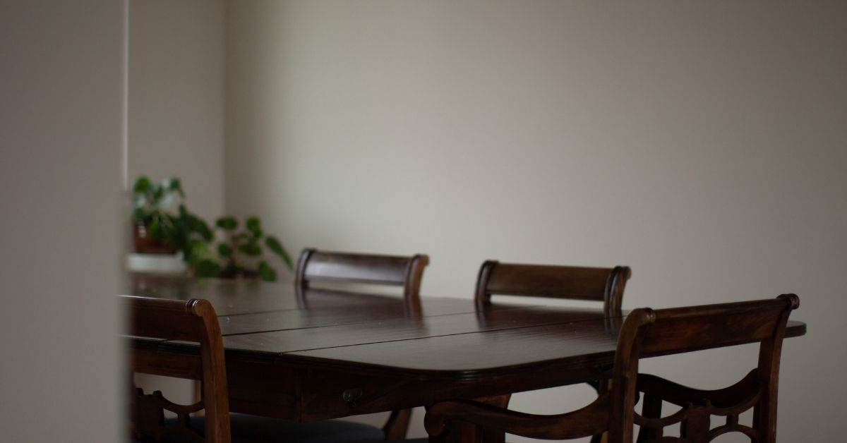 empty dining table
